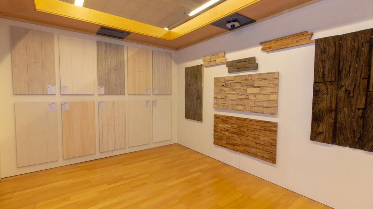 Ausstellung-Paneele-Wand-Decke-2